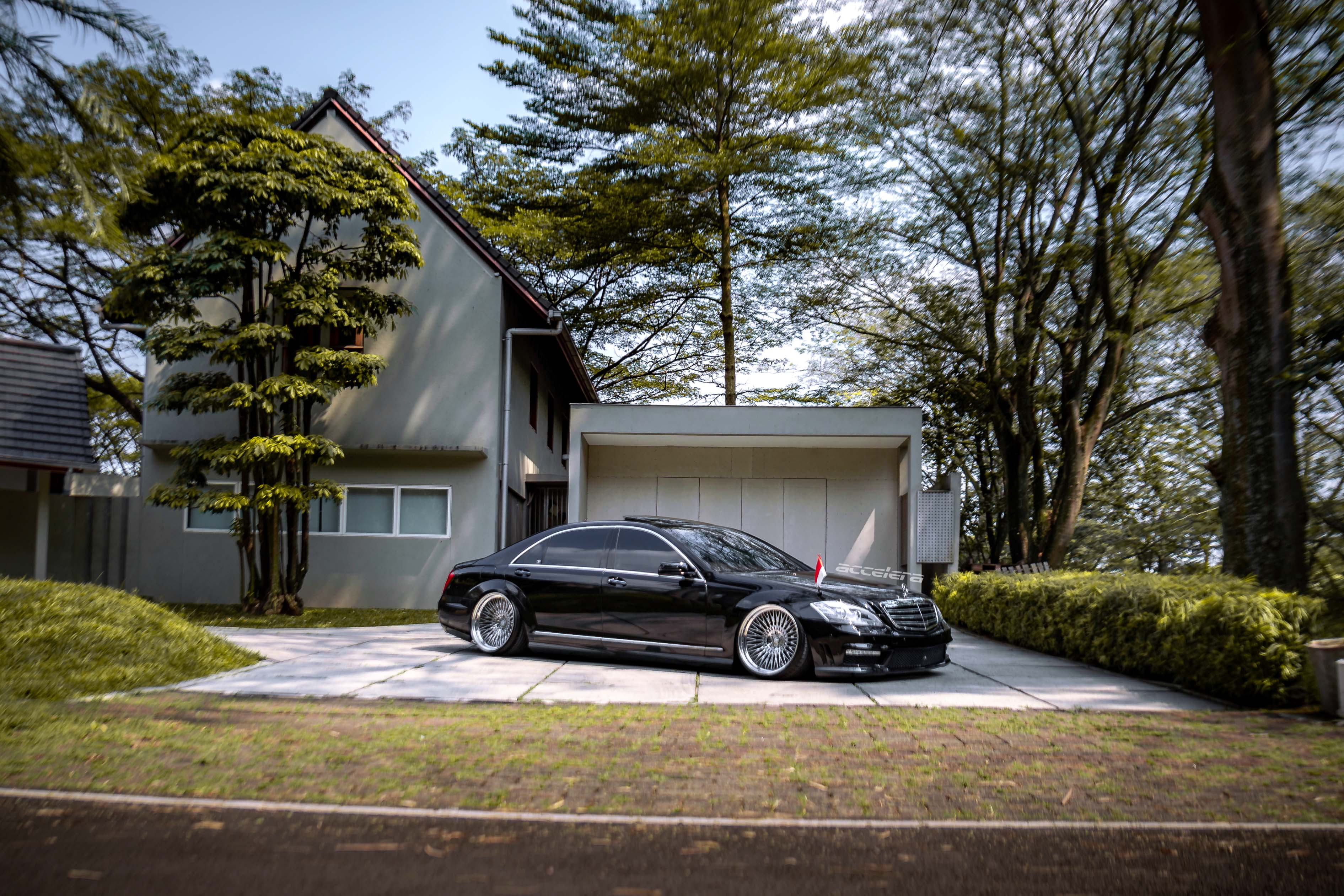 Perfect Accelera Phi On A Stance S-Class