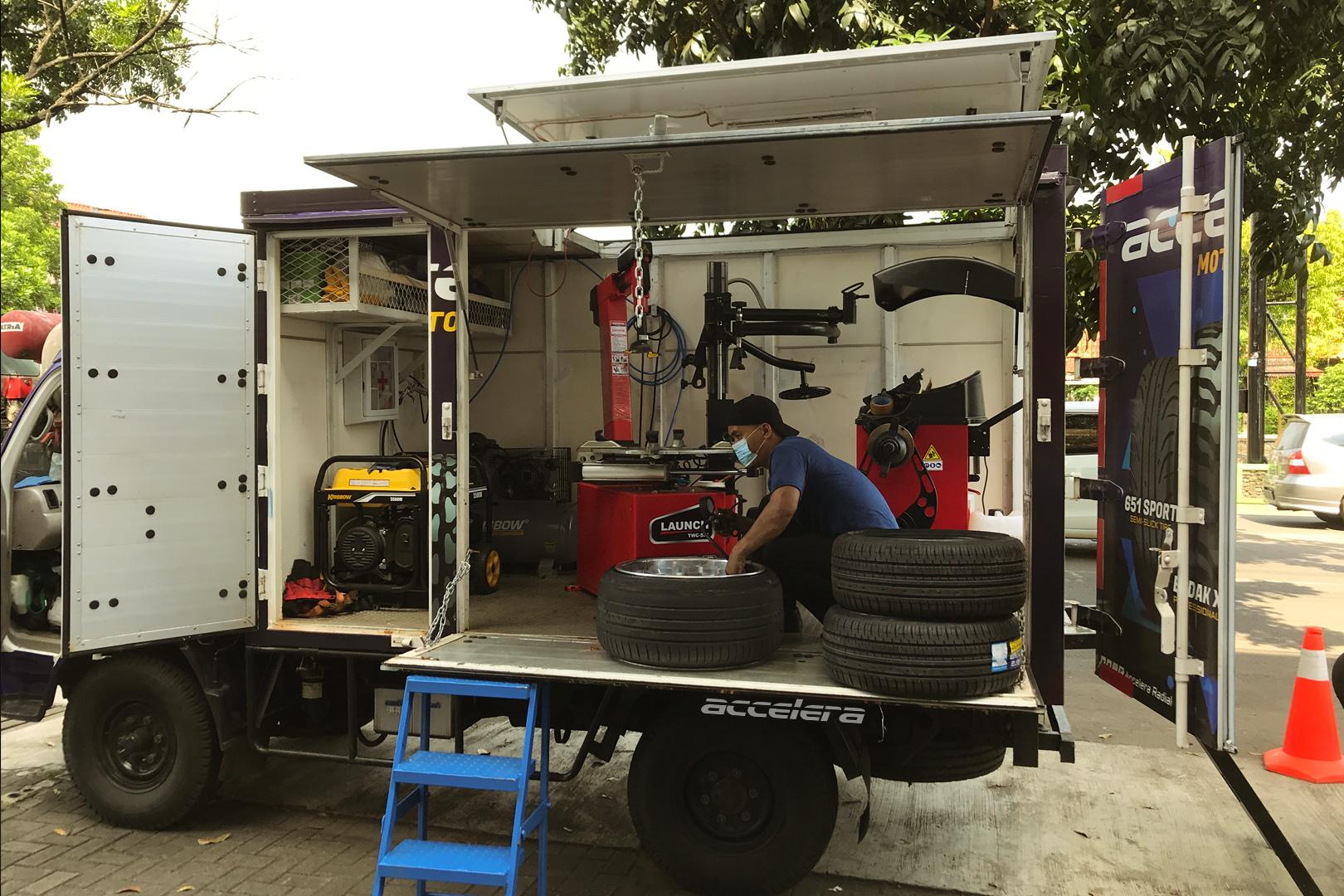 Accelera Mobile Service: To Support Automotive Scene